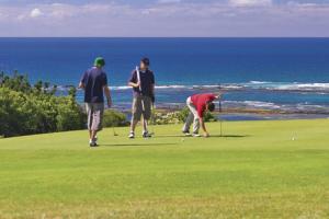 golfers on coast pic